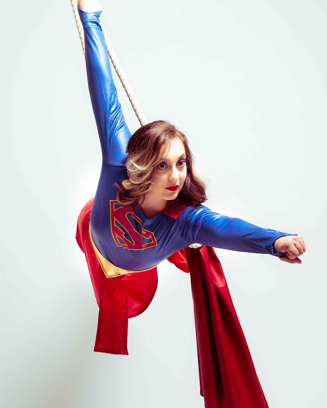 @the_metal_aerialist supergirl cosplay