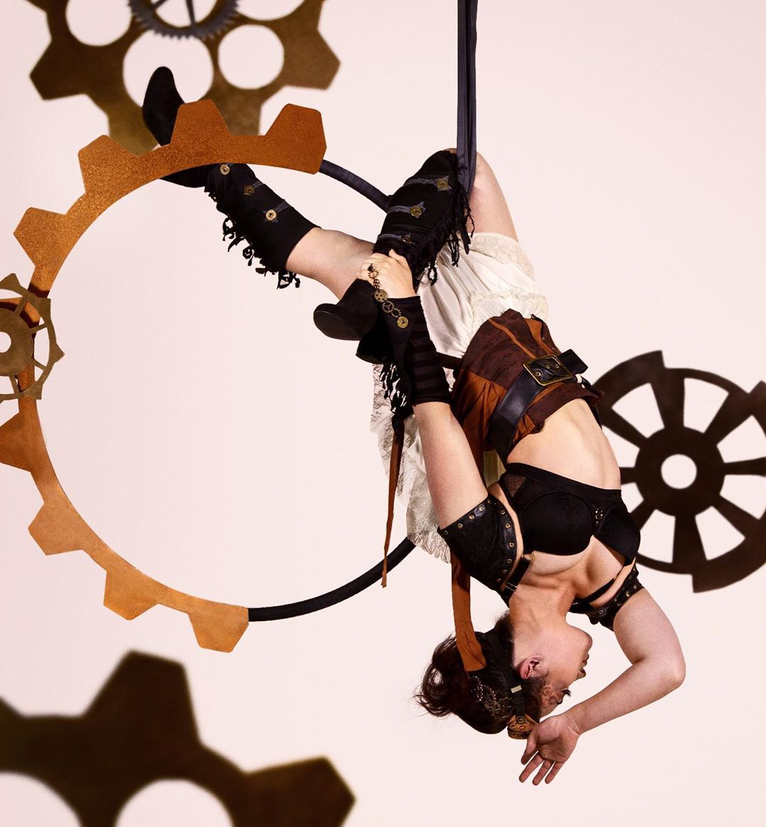 shannon prickett lyra steampunk hang