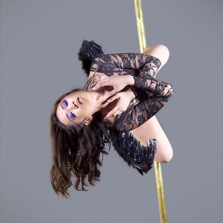 Sarah Pole Black